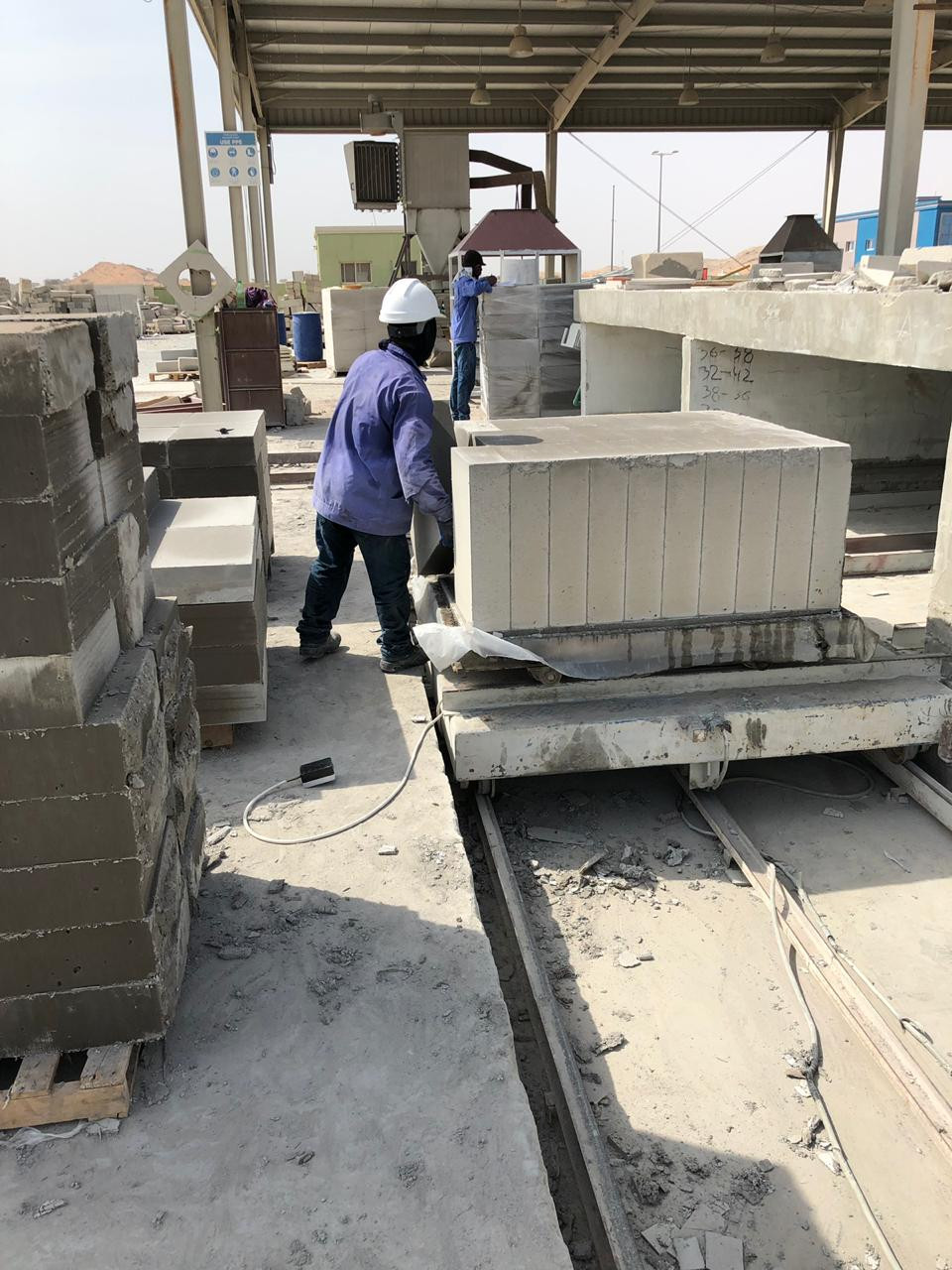 Manufacturing non-autoclaved aerated lightweight cellular concrete blocks