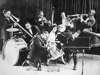 Oliver-Creole-Jazz-Band-Chicago-1923.jpg