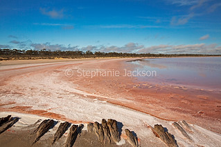 Pink salt lake in Murray Sunset National Park - IMG 1210