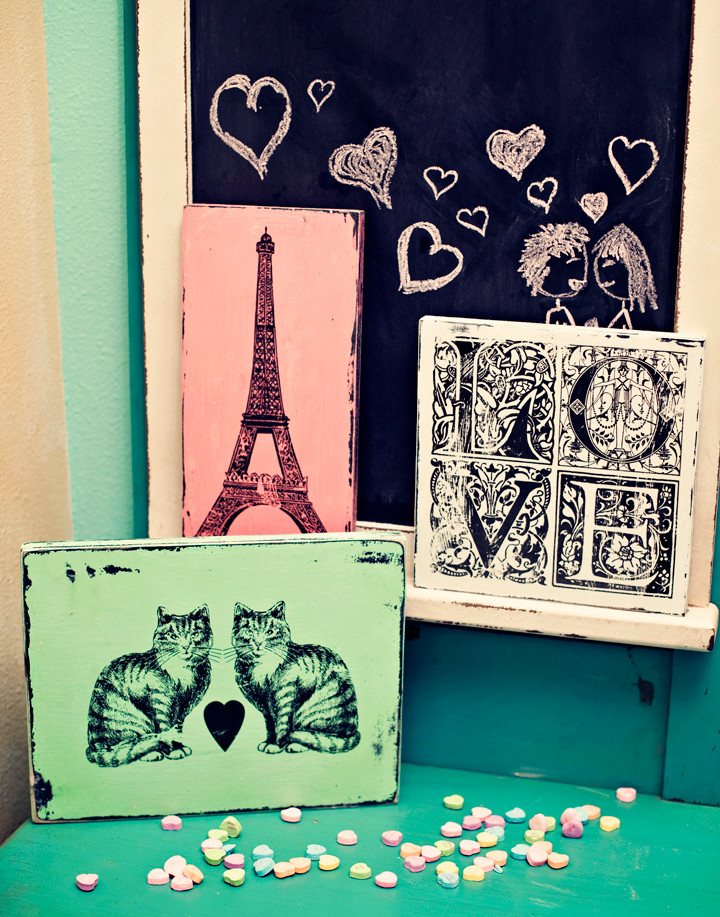 wood signs, eiffel tower, love, cats in love, andra stringer