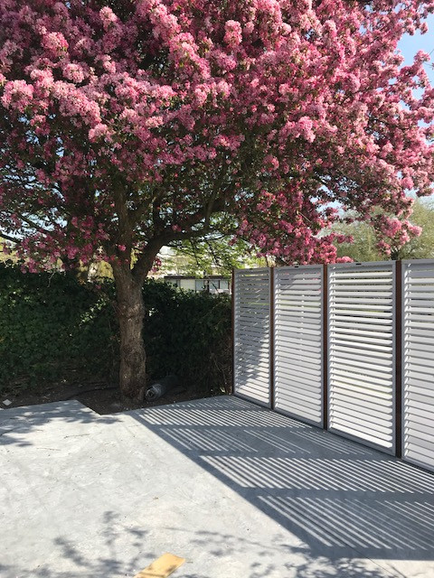 Modern terras, sierappel,van der rhee, outdoor design, tuinontwerp,