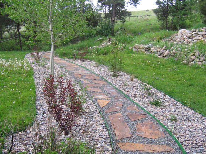Korpi Natural Stone Walk