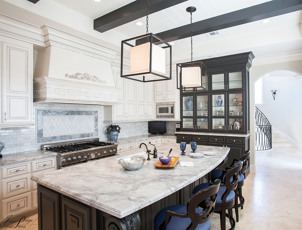 A White and Black Kitchen Design Helps to Add Contrast