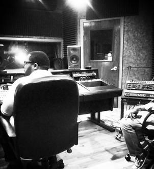Troy Barnett | Studio Session | Phat Bar