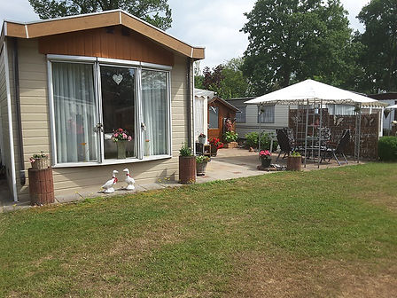 exterieur van 6-persoons vakantiehuisje 60-7 op 5-sterren recreatiepark TerSpegelt