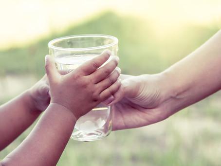 コップ1杯の水が世界を救う!