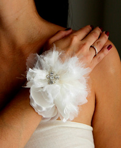 tulle feather cuff
