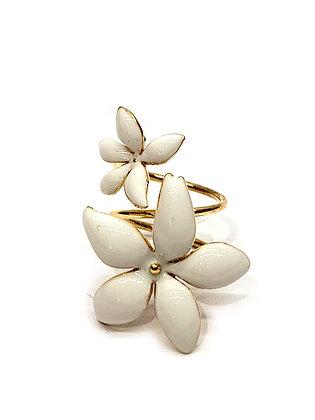 Carolina Herrera Enamel Flower Ring