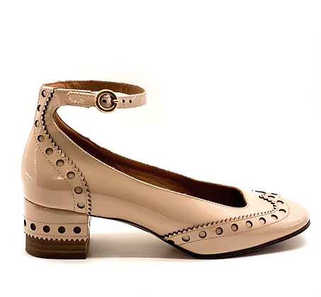 Chloe Perry Nude Patent Leather Pumps