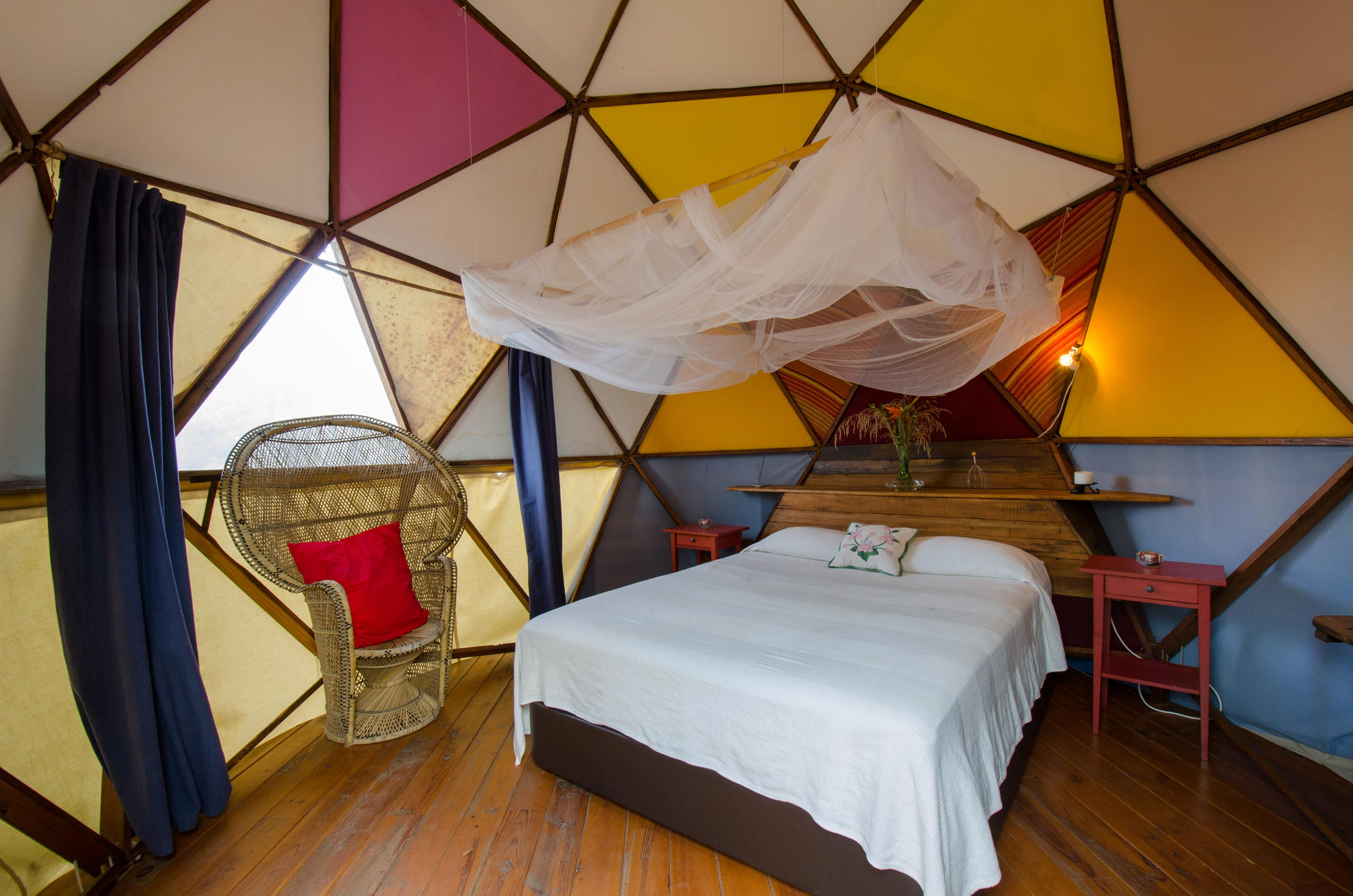 Los_Banos_De_La_Luz_Accommodation_Diverse_Geodesic_Dome_01