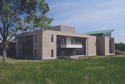 Livingston Student Center, Side