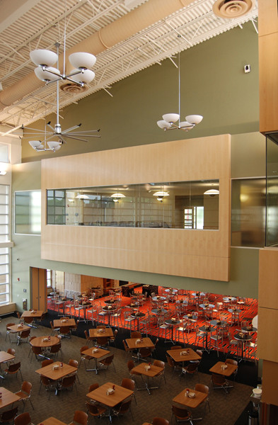 Livingston Dining Commons Student Dining