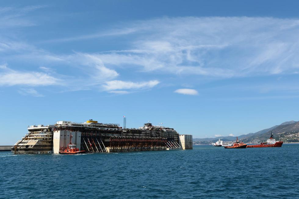 Arrivo relitto Costa Concordia a Genova, 27 luglio  2014