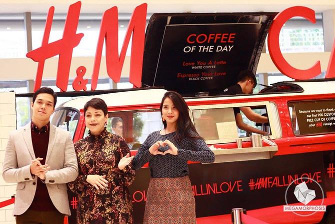 H&M: #HMFALLINLOVE Café
