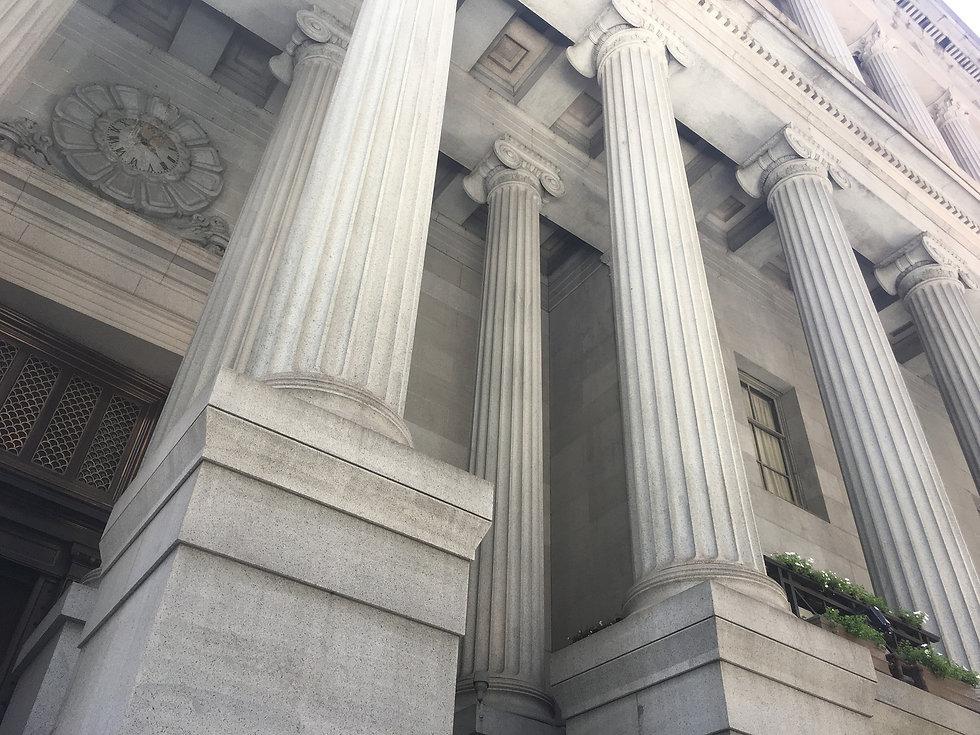columns-2403446_1920.jpg