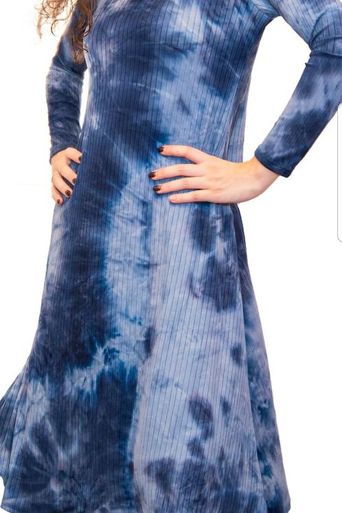 A line ribbed tie die dress