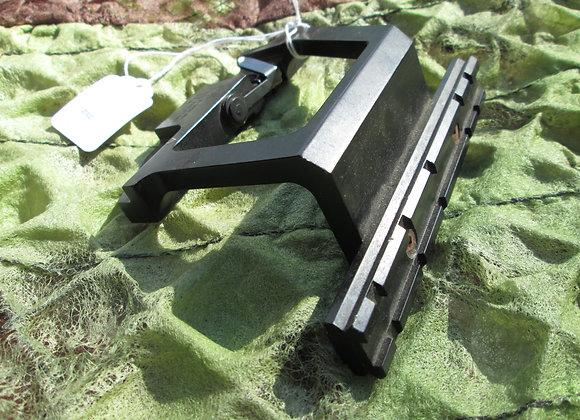 K-Var KV-04, AK-47 side-rail mount