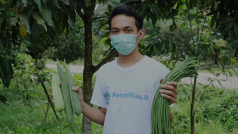 PetaniRiau-Slide6_edited.jpg