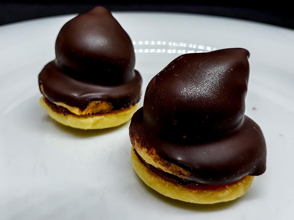 Conos de dulce de leche con chocolate