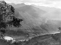 Salween Gorge, Yunnan Province, The Burma Road crosses the river (china002)