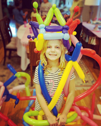 balloon crown party