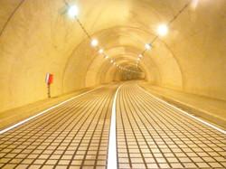 大峠トンネル 凍上抑制舗装