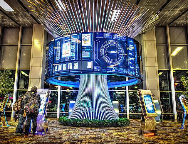 singapore-airport-2392276_640