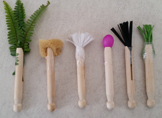 6 ideas for DIY paint brushes