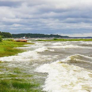 Vuokalaisten rantaa ja Alttarikivi