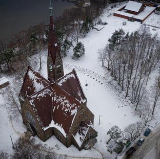 2021. Kuvat Dmitry Matveev Koiviston kirkko ja sankarihauta-alue.