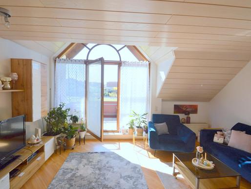 Wunderbare Maisonette Wohnung mit zwei Zimmern, Balkon und Tiefgaragenstellplatz in Neckarwestheim