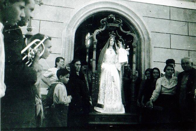 Mom In Fardella [1954]