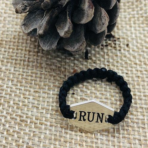 RUN טבעת רקמה