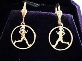 זוג עגילי רצה בעיגול זהב