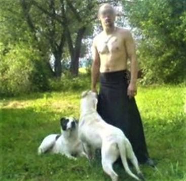 Miroslav_L._se_svými_psy.jpg