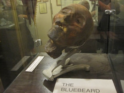 Hlava Henriho Landrua vystavená v muzeu
