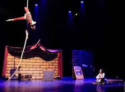 Cirque equilibre acrobaties