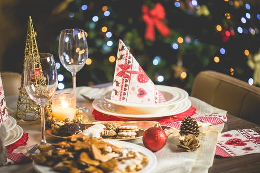 A festive holiday table place setting