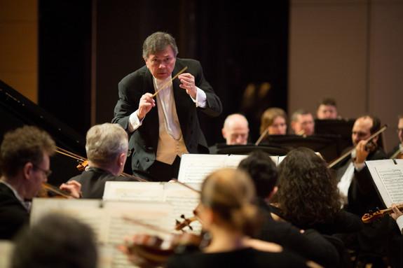 Gerard Schwarz Russian National Orchestra