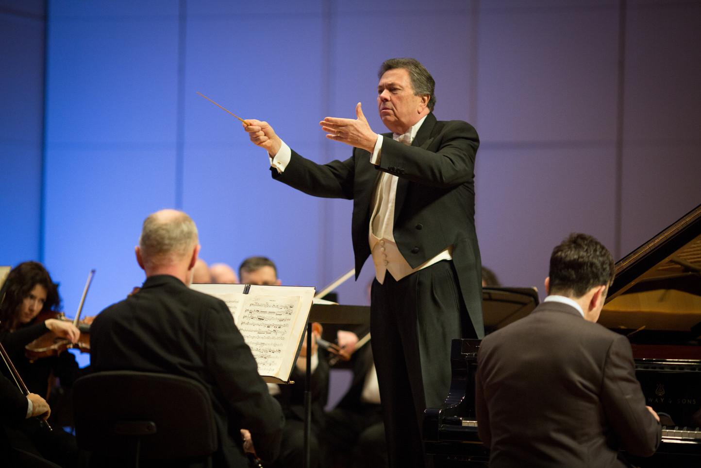 Phillip Kawin Gerard Schwarz Russian National Orchestra