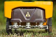 Mower-robot vitirover