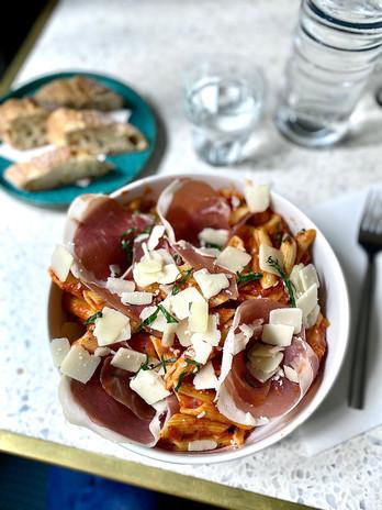 Penne à la tomate et jambon de parme - Brasserie.jpg