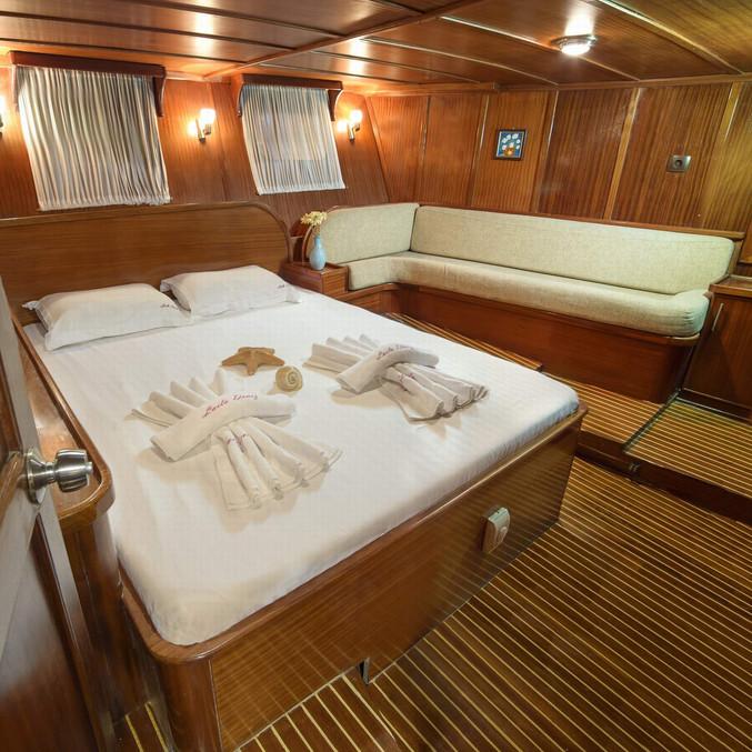 016-ad-04-aft-master-cabin-02jpg