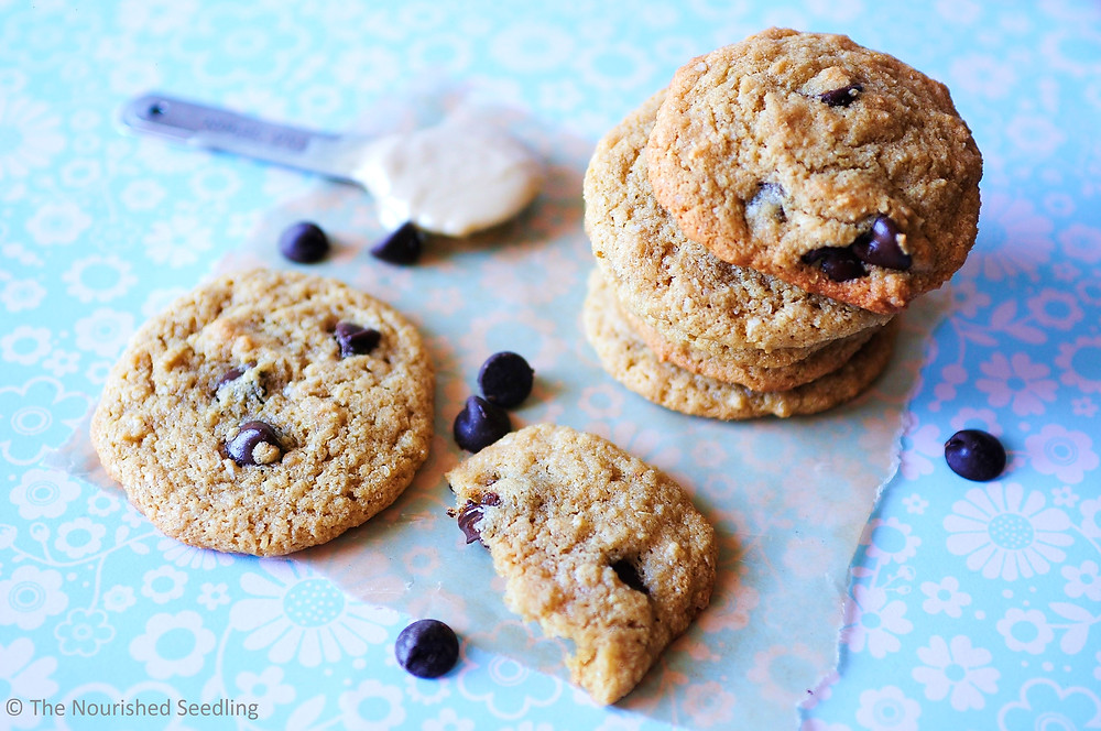 gluten-free-tahini-chocolate-chip-cookies