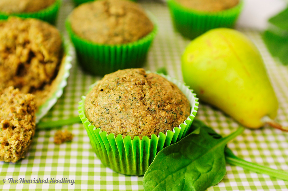 spinach and pear oat muffins