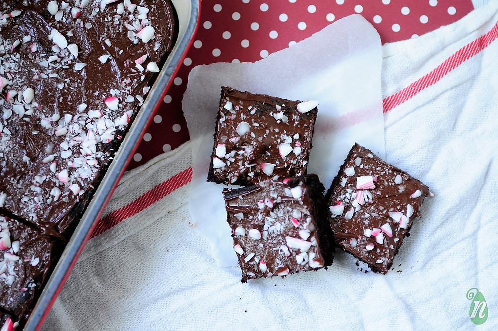 healthy-peppermint-black-bean-brownies