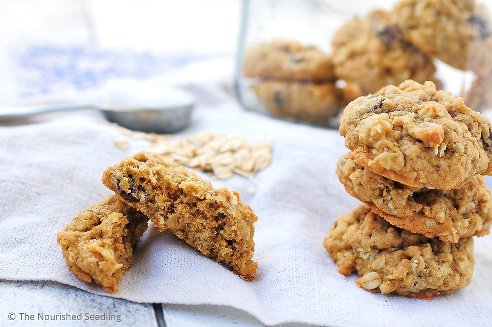 coconut-oil-chocolate-chip-oatmeal-cookies