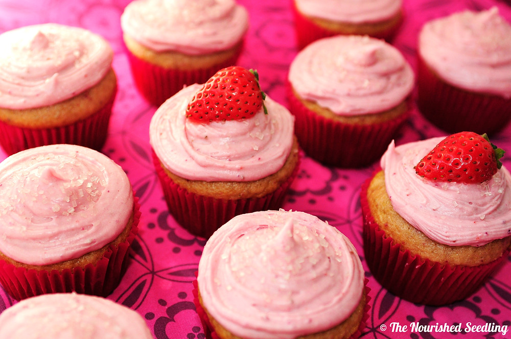 healthy-strawberry-cupcakes-strawberry-frosting
