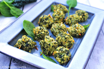 Cheesy Kale and Spinach Quinoa Bites
