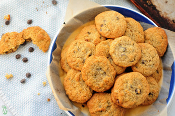 Almond and Oat Gluten Free Chocolate Chip Cookies